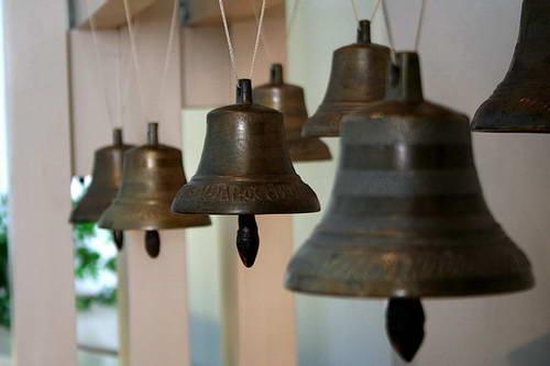 Сувенирные колокольчики, Бронзовый колокольчик