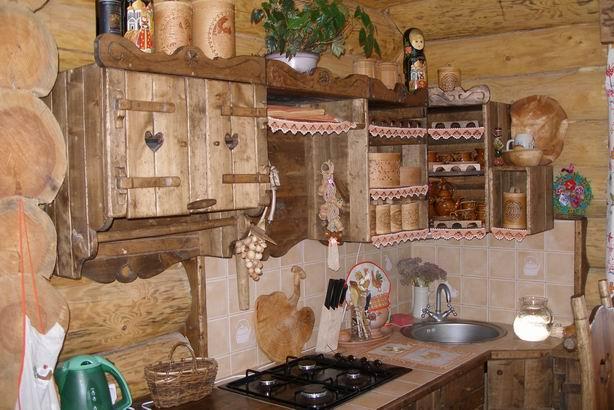 Кухня в деревенском доме своими руками фото